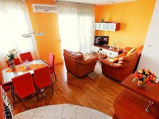 2 bedroom Apartment in Split, Splitsko-Dalmatinska Zupanija, Croatia : ref 50830