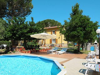 4 bedroom Villa in Pastina, Tuscany, Italy : ref 5446500