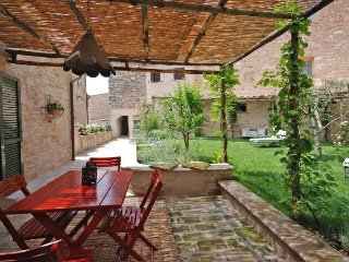 2 bedroom Villa in Spello, Umbria, Italy : ref 5218355