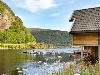 Leirvik Holiday Home Sleeps 6 with WiFi - 5177429