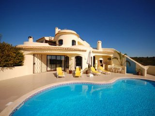 3 bedroom Villa in Guia, Faro, Portugal : ref 5454948