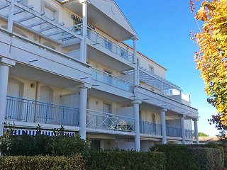 2 bedroom Apartment in Vaux-sur-Mer, Nouvelle-Aquitaine, France : ref 5079416
