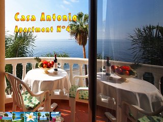 Casa Antonio N° 4 *** Beachfront Apartment ***