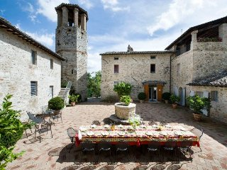 Perugia Villa Sleeps 15 with Pool Air Con and WiFi - 5802764