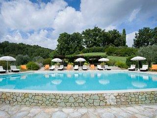 7 bedroom Villa in Solfagnano, Umbria, Italy : ref 5218515