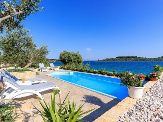 4 bedroom Villa in Okrug Donji, Croatia - 5571579