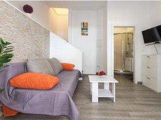 3 bedroom Villa in Sumpetar, Splitsko-Dalmatinska Županija, Croatia : ref 555092