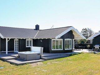 Saltum Strand Holiday Home Sleeps 10 with WiFi - 5387736
