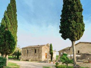 1 bedroom Apartment in Poggibonsi, Tuscany, Italy : ref 5447389