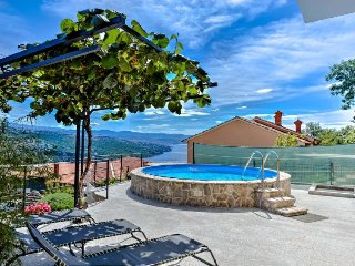 3 bedroom Apartment in Pobri, Primorsko-Goranska Županija, Croatia : ref 5060618