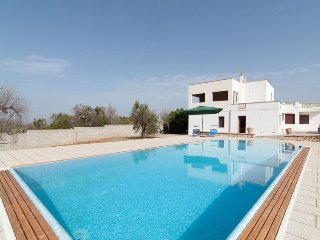 2 bedroom Villa in Rischiazzi, Apulia, Italy : ref 5341446