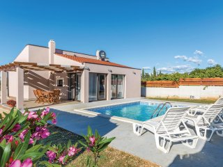 2 bedroom Villa in Vodnjan, Istria, Croatia : ref 5551381