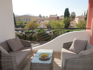 2 bedroom Apartment in Saint-Cyr-sur-Mer, France - 5699793