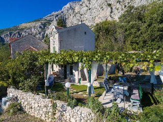 Two bedroom house Gornji Tucepi - Podpec, Makarska (K-6915)