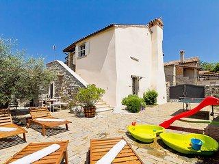 3 bedroom Villa in Gračišće, Istria, Croatia : ref 5533278