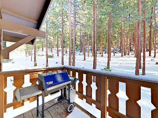 3BR w/ Pool, Hot Tub, Sauna ? Near Beach, Skiing, Dining