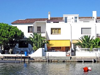 3 bedroom Villa in Empuriabrava, Catalonia, Spain : ref 5043729