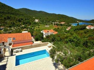 3 bedroom Apartment in Zrnovska Banja, Dubrovacko-Neretvanska Zupanija, Croatia