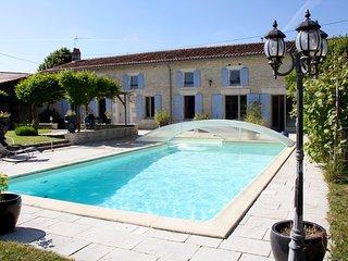 4 bedroom Villa in Asnières-la-Giraud, Nouvelle-Aquitaine, France : ref 5554379