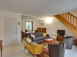 Saint-Philibert Holiday Home Sleeps 6 with Free WiFi - 5699683