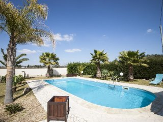4 bedroom Villa in Carbone, Apulia, Italy : ref 5038734