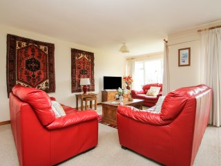 18 TAMAR, HONICOMBE MANOR, family friendly, country holiday cottage in