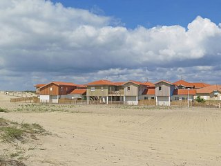 4 bedroom Apartment in Biscarrosse-Plage, Nouvelle-Aquitaine, France : ref 54348