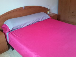 Large Cozy Double Room in the ❤️ of S.Eulalia