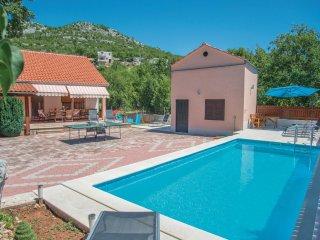 4 bedroom Villa in Zagvozd, Splitsko-Dalmatinska Županija, Croatia : ref 5562103