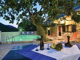 3 bedroom Villa in Kostanje, Splitsko-Dalmatinska Zupanija, Croatia : ref 556354