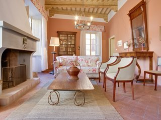 3 bedroom Apartment in San Gimignano, Tuscany, Italy : ref 5696885