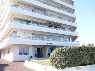 2 bedroom Apartment in Royan, Nouvelle-Aquitaine, France : ref 5081748