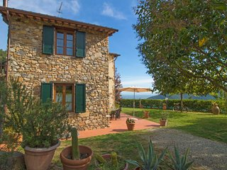 2 bedroom Villa in Lucca, Tuscany, Italy : ref 5055123