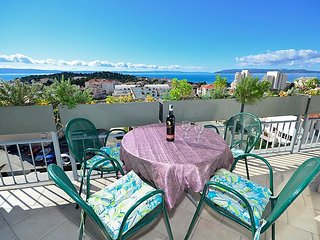 3 bedroom Apartment in Makarska, Splitsko-Dalmatinska Županija, Croatia : ref 50