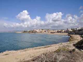 Cava d'Aliga Villa Sleeps 16 with Pool Air Con and WiFi - 5218416