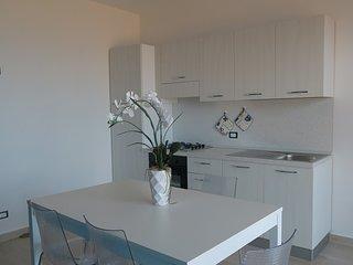 Appartamento con terrazzino e parcheggio riservato