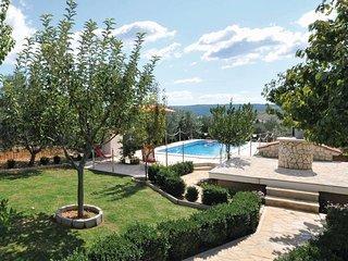 2 bedroom Villa in Plano, Splitsko-Dalmatinska Županija, Croatia : ref 5562048