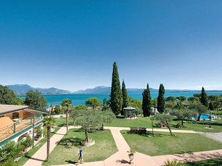 1 bedroom Apartment in Desenzano del Garda, Lombardy, Italy : ref 5486772