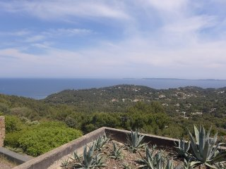 2 bedroom Villa in Cap Gaou Bénat, Provence-Alpes-Côte d'Azur, France : ref 5700
