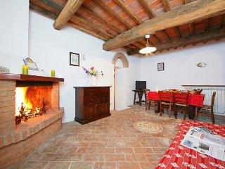 2 bedroom Villa in Monte San Savino, Tuscany, Italy : ref 5055618