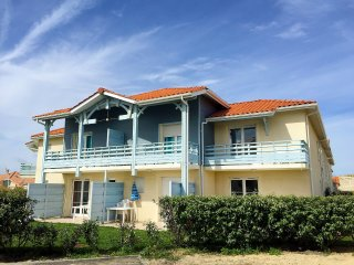 3 bedroom Apartment in Biscarrosse-Plage, Nouvelle-Aquitaine, France : ref 55584