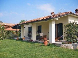 3 bedroom Villa in Marina di Pietrasanta, Tuscany, Italy : ref 5447739