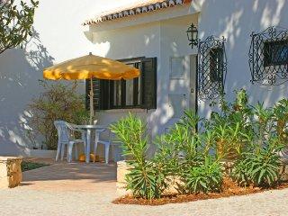 3 bedroom Villa in Vale do Lobo, Faro, Portugal : ref 5479928