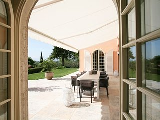 4 bedroom Villa in Lazise, Veneto, Italy : ref 5218397