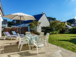 4 bedroom Villa in Saint-Pierre-Quiberon, Brittany, France : ref 5571225
