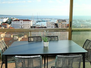 2 bedroom Apartment in Cannes, Provence-Alpes-Côte d'Azur, France : ref 5556759