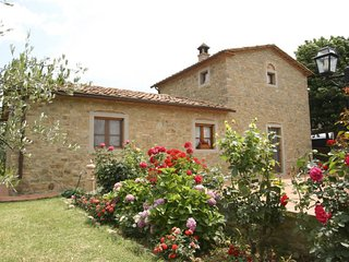 3 bedroom Villa in Cortona, Tuscany, Italy : ref 5394145