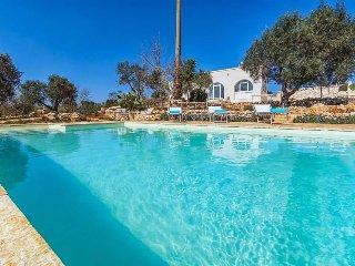 3 bedroom Villa in Chianchizzo I, Apulia, Italy : ref 5570348