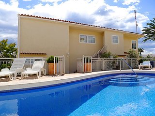 3 bedroom Villa with Pool, Air Con and WiFi - 5698253