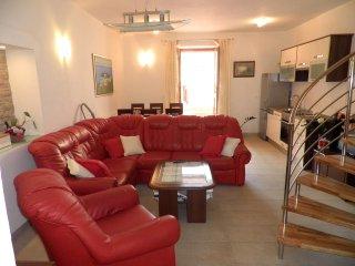Two bedroom apartment Preko, Ugljan (A-14163-b)